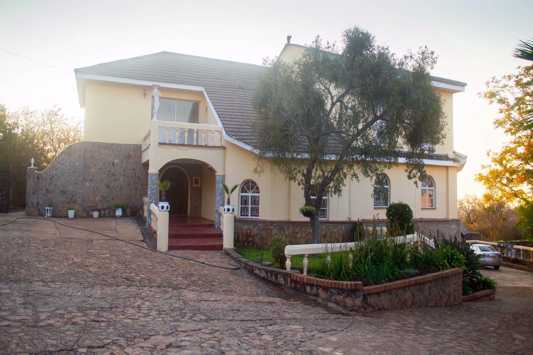 4 bedroom house for sale in Matabeleland (Zimbabwe)