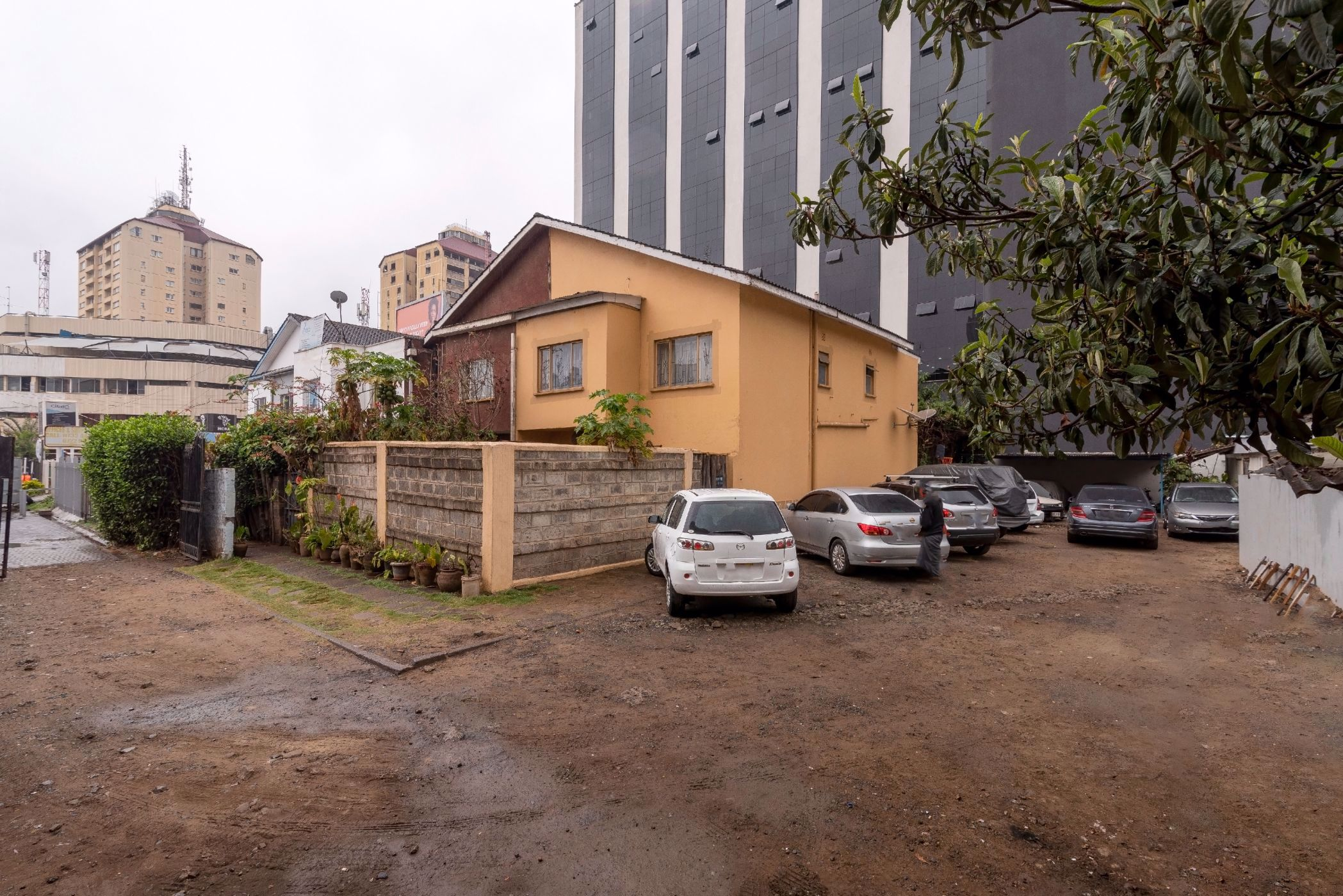 278 m² commercial office to rent in Kilimani (Kenya)