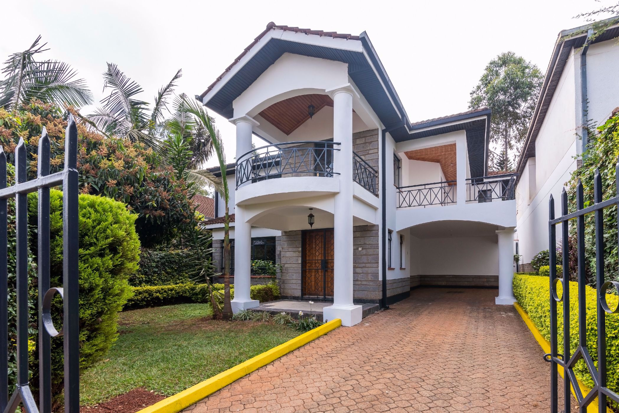 Share of 4 bedroom townhouse to rent in Kyuna  (Kenya)