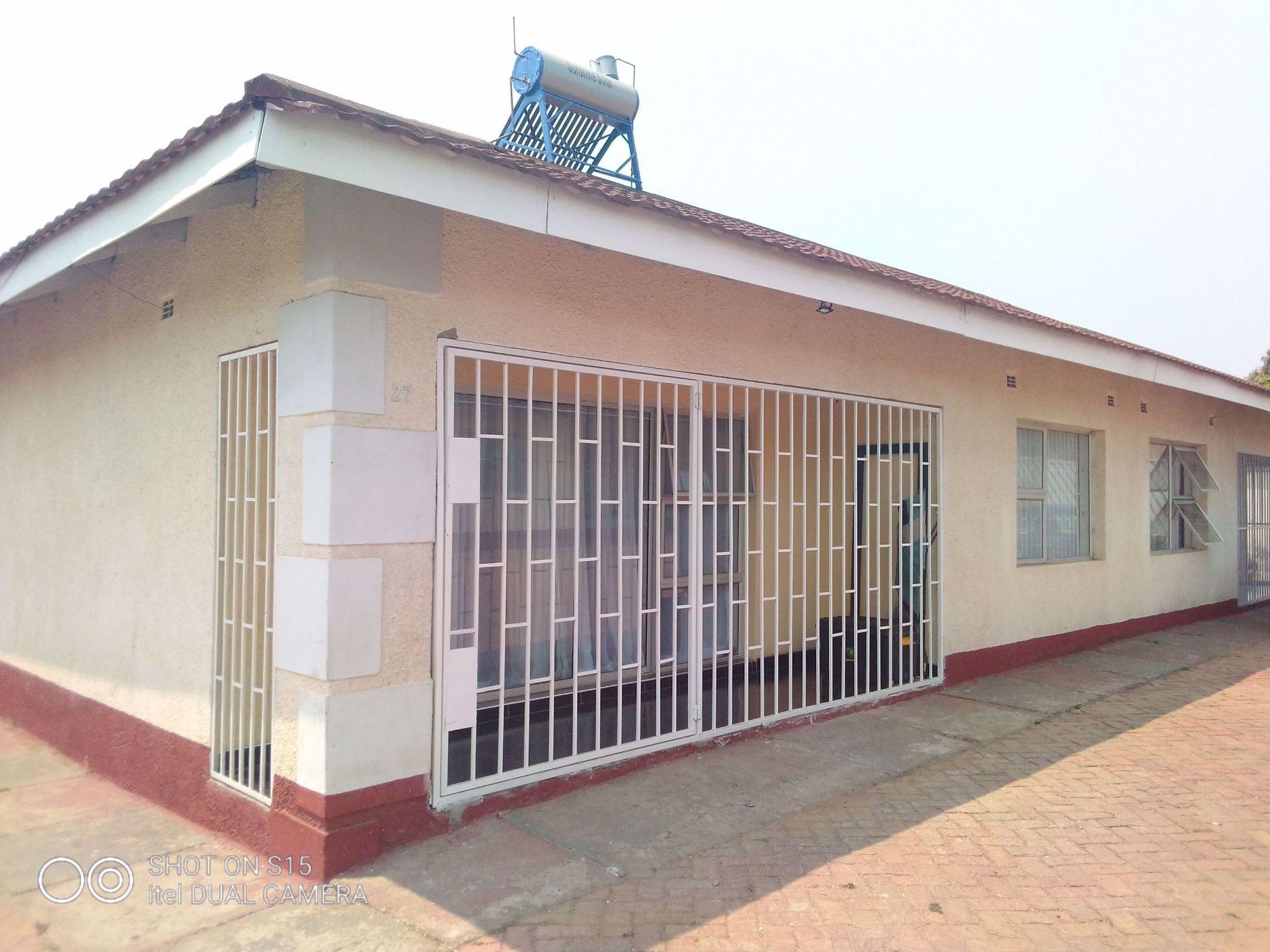 2 bedroom apartment for sale in Madokero Estates (Zimbabwe)