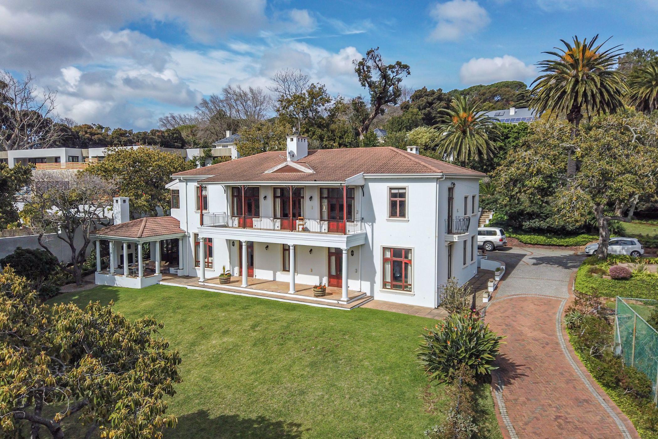 4 bedroom house for sale in Bishopscourt