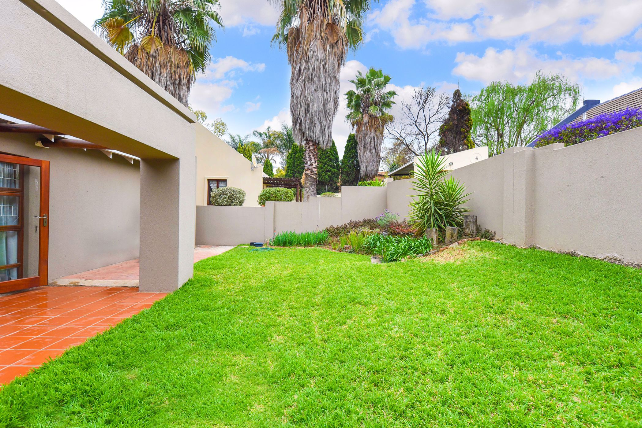 2 bedroom house for sale in Douglasdale