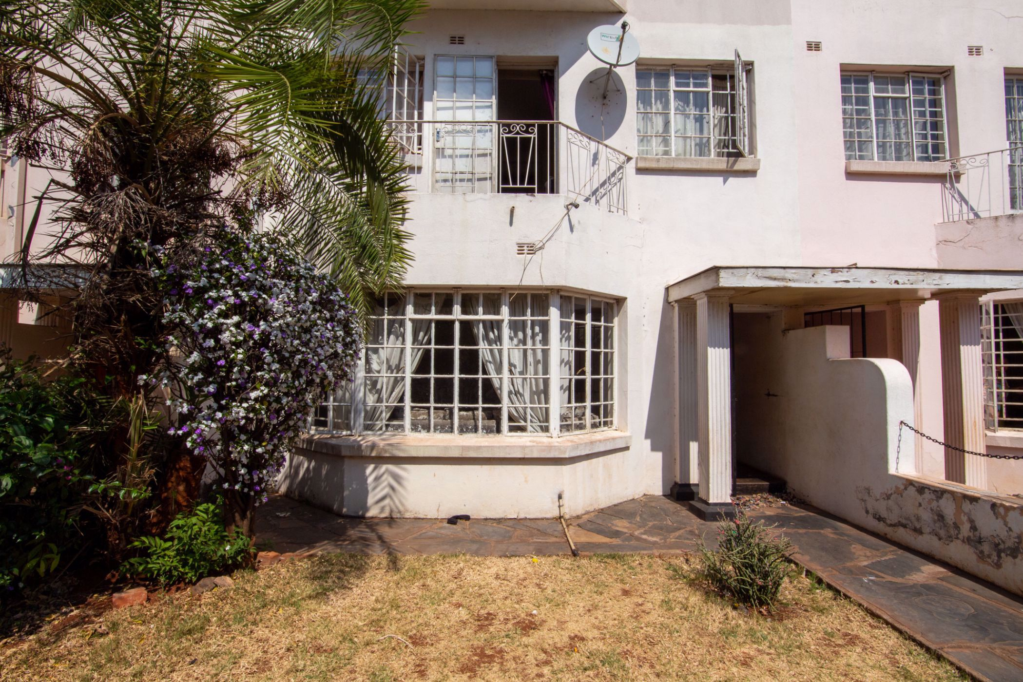 Share of 3 bedroom apartment for sale in Avenues (Zimbabwe)