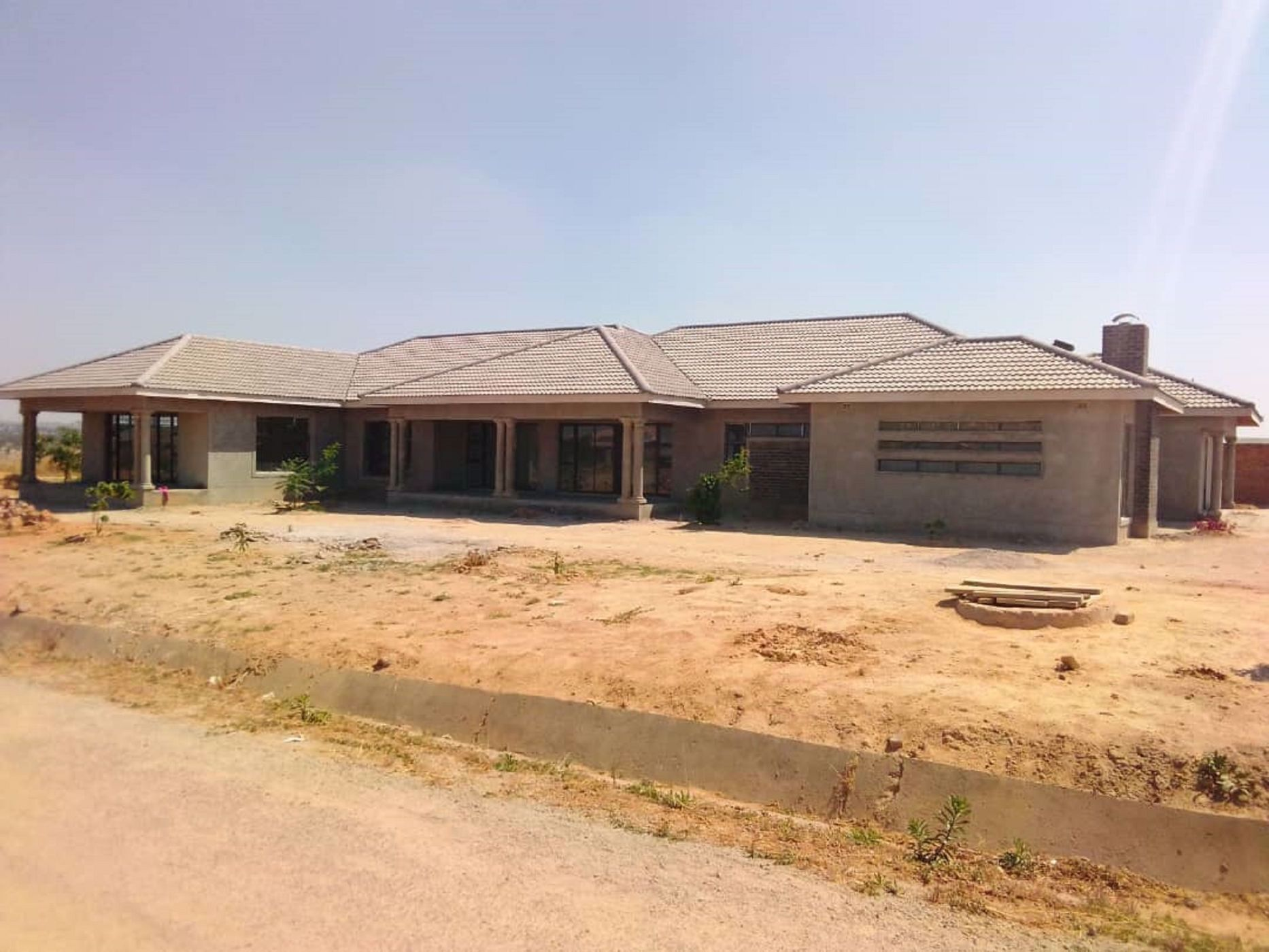 4 bedroom house for sale in Rockview (Zimbabwe)